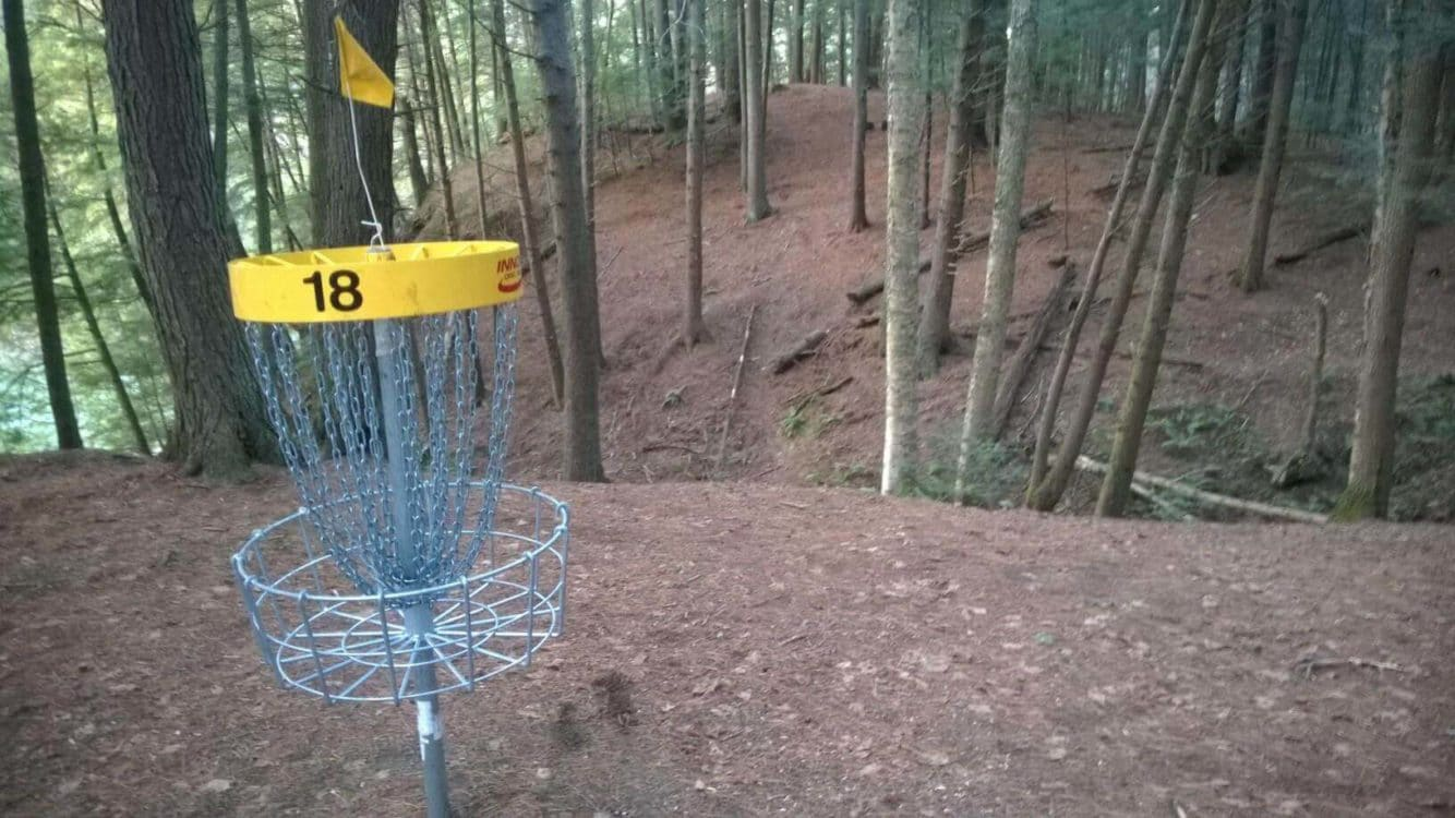 Storrs pond disc golf course
